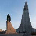 Hallgrímskirkja mit Leif Eriksson